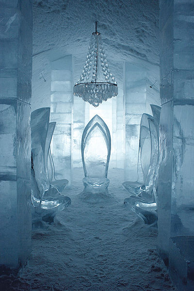 400px-Main_hall_ICEHOTEL_Sweden