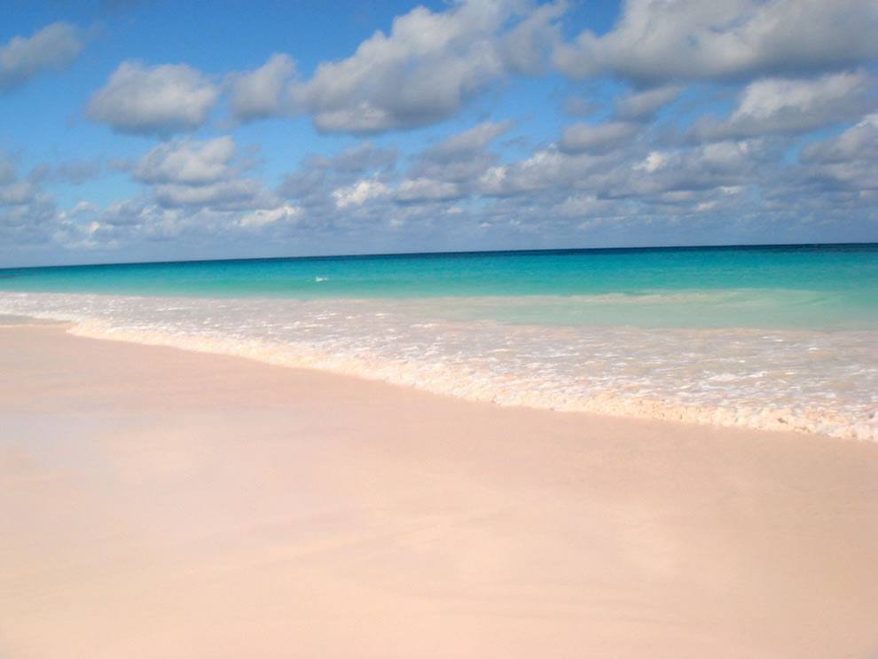 Pink-sand-at-Pink-Sands-Beach-Harbour-Island-Bahamas