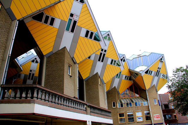 cube_houses_from_the_netherlands_640_02