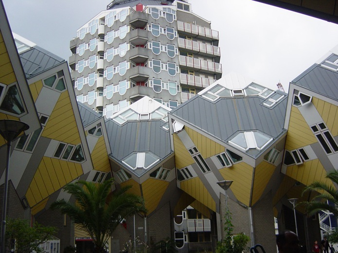 unusual-projects-cubic-houses-in-rotterdam-netherlands-3
