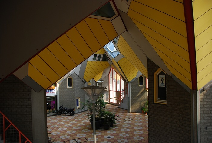 unusual-projects-cubic-houses-in-rotterdam-netherlands-9