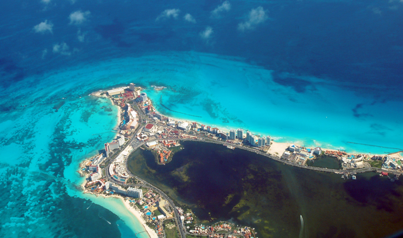 00_0G_BI_aerial-view-of-Cancun-Mexico-large