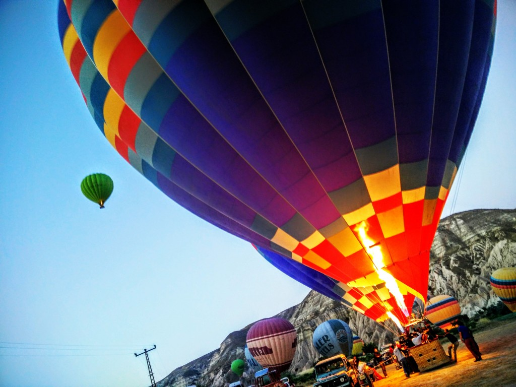 Hot-air-balloon-Cappadocia-Turkey-31