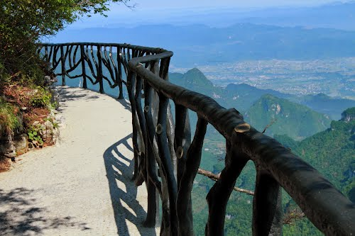 Zhangjiajie-Tianmen-Mountain-National-Park-Glassway-Path
