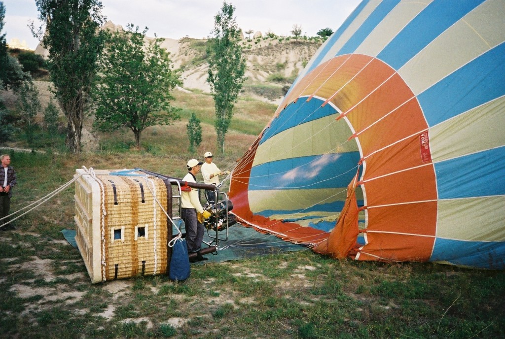 ballooning-hot-air-balloon-filling-the-envelope-using-burner-Cappadocia-Turkey-SEW