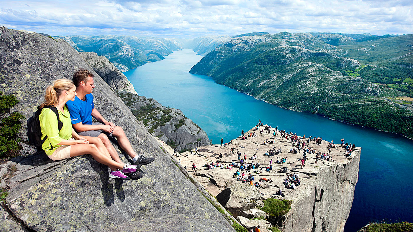 preikestolen-norway-1400