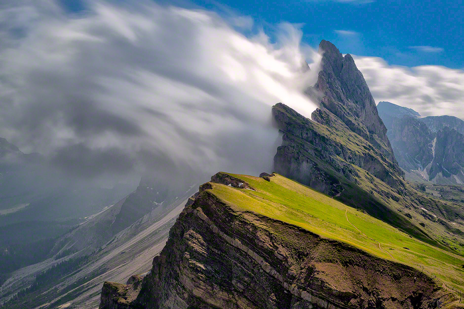 dolomites-italy-seceda-mountains-clouds-853