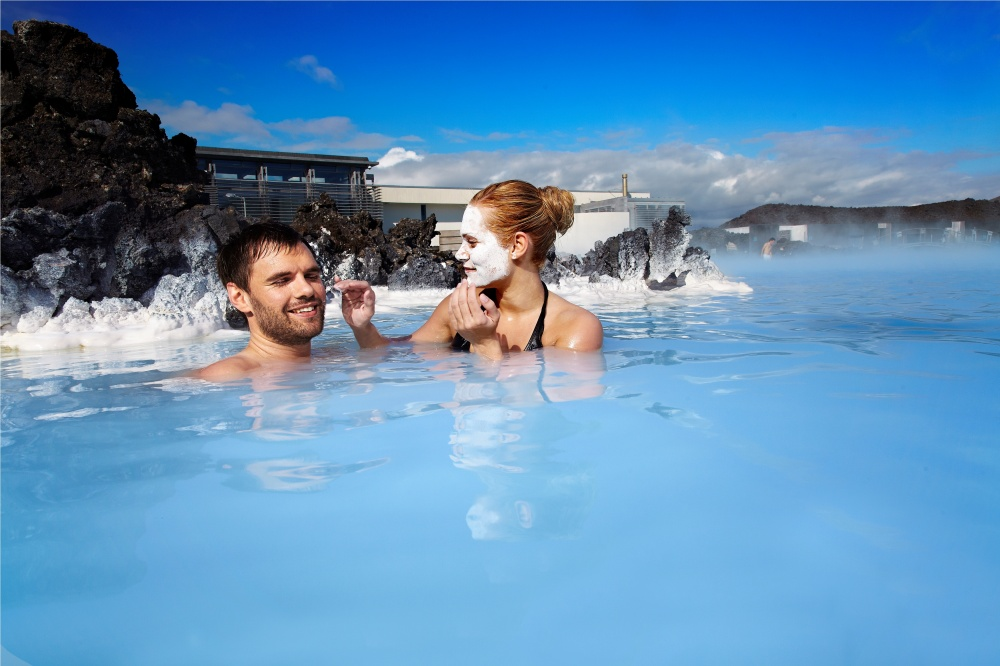 17141710-R3L8T8D-1000-Blue-Lagoon-couple-with-silica