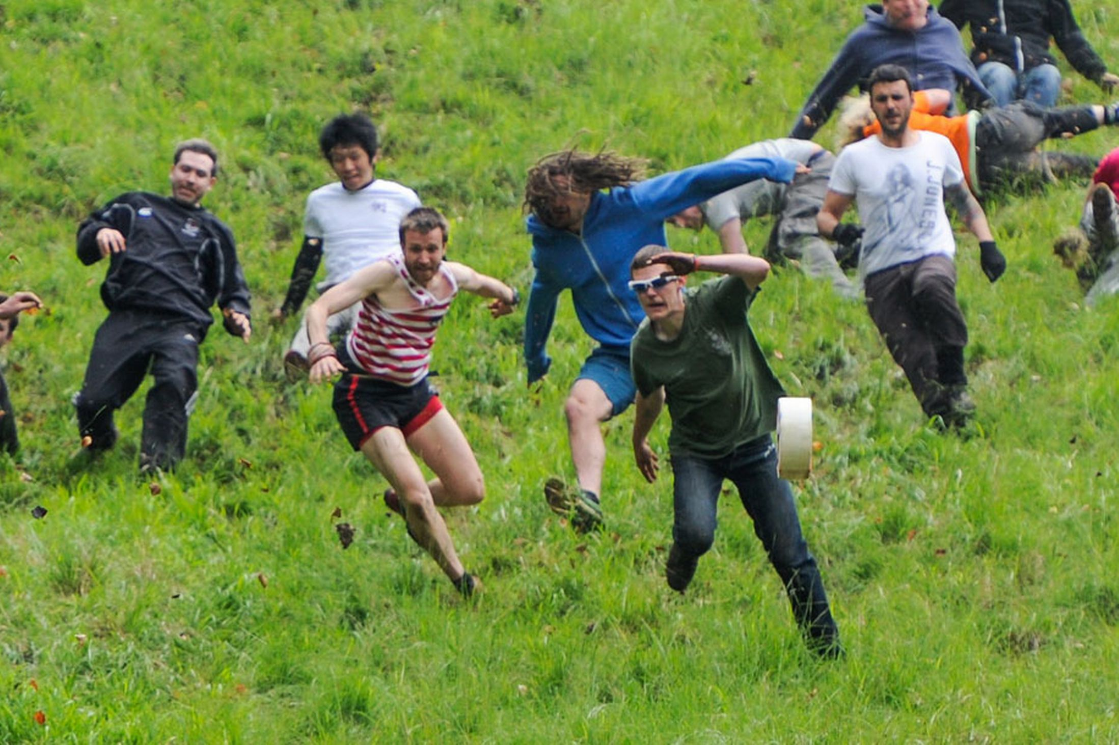 Coopers-Hill-Cheese-Rolling