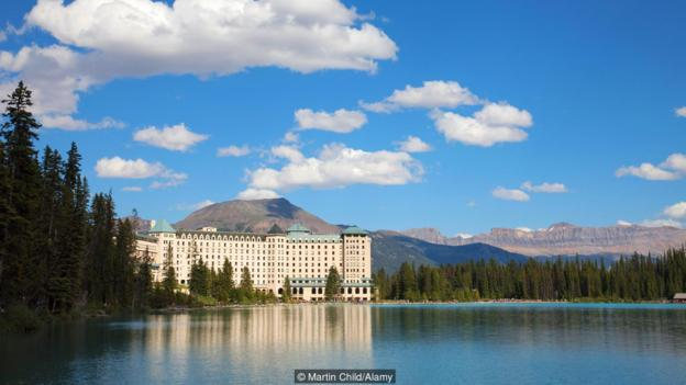 The Fairmont Chateau Lake Louise Hotel, Alberta, Rocky Mountains, Canada, North America